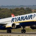 Echipajul Ryanair a dormit pe jos înainte de zbor