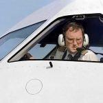 Cozile interminabile de la aeroportul Otopeni fac oamenii să-și piardă zborul